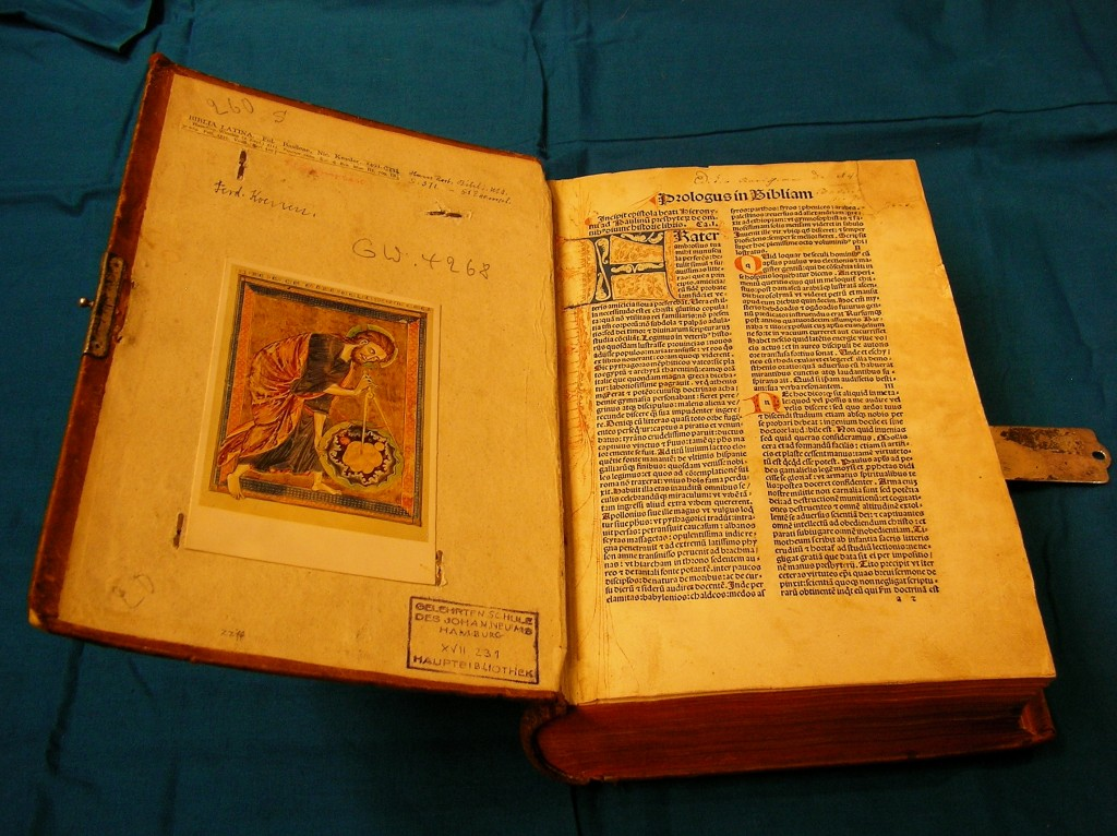 Biblia-Innenansicht