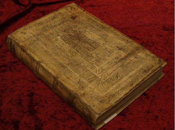Historiae libri IX von Herodotus (Köln 1537) nach vollständiger Restaurierung